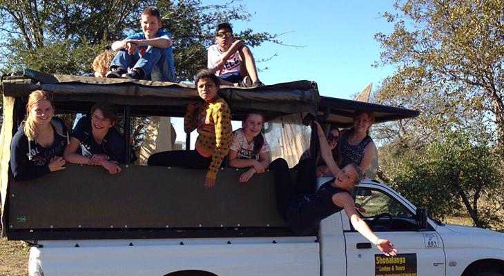 op safari met een truck