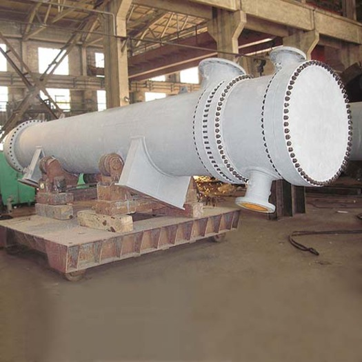 Large_carbon-steel-shell-and-tube-heat-exchanger-floating-head