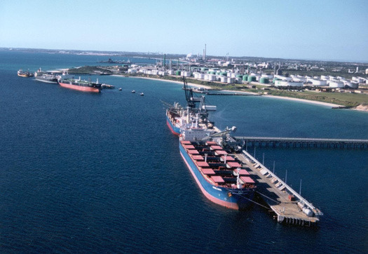 Large_kwinana_port