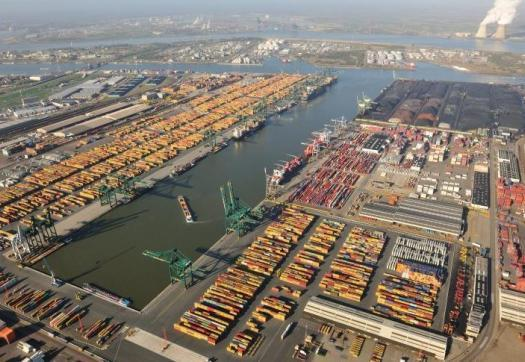 Large_port_of_antwerp