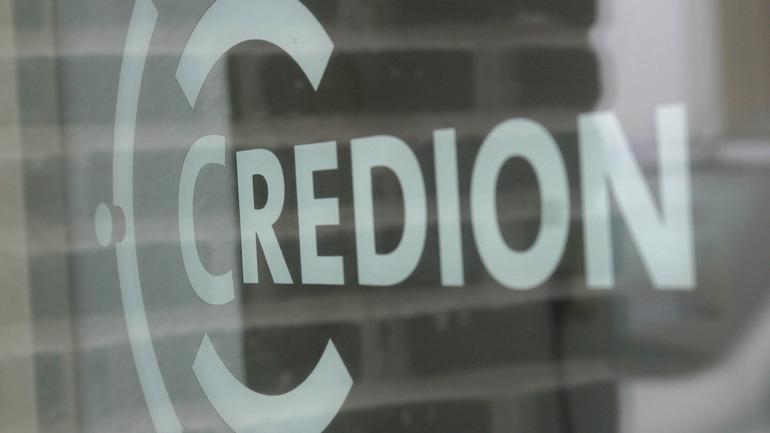 Bar_credion_logo_in_glas